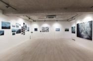 pohľad do výstavy Dotyky s mestom, Galéria Čin Čin, Bratislava, 2016, foto: Alexander Wald pre Galériu Čin Čin