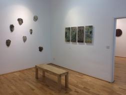 Ausstellungsansicht, er-fahren, er-reisen, er-sammeln, Loft 8 Galerie Wien, 2018, Foto: Miroslava Urbanová